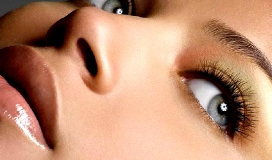 Как избавиться от мешков и отеков под глазами